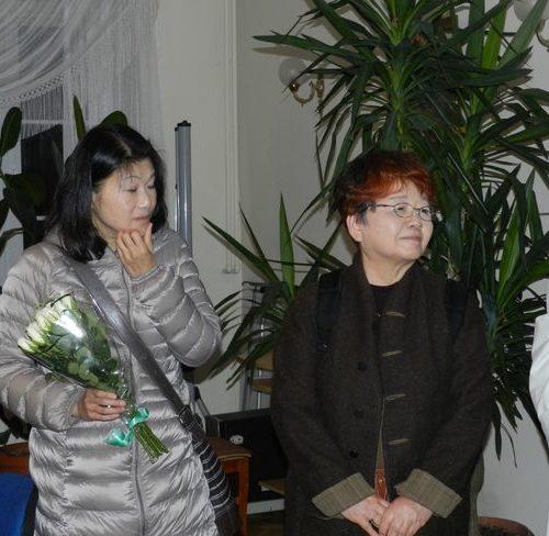 Yoshiko Yoshino i Yumiko Matsuzaki. Tłumaczki książki S. Cenckiewicza